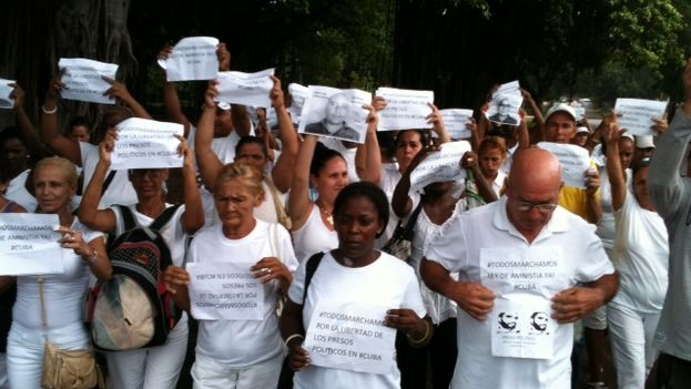 Ladies in White during their march this Sunday (Angela Moya)