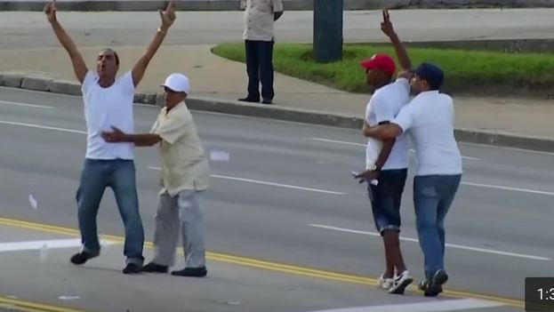 Activists arrested during Pope Francis's Mass in the Plaza of the Revolution (frame of a video)