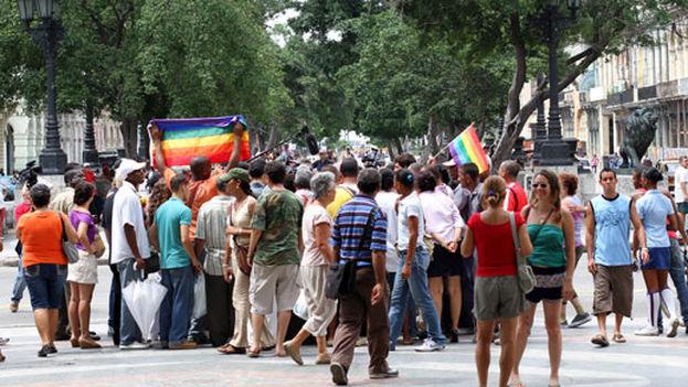 LGBTI Pride march in the Paseo del Prado in Havana in 2011 (Orlando Luis Pardo Lazo)