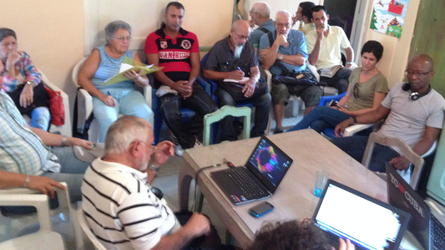 Activists of the Democratic Action Unity Roundtable (MUAD) gathered Friday in Havana. (14ymedio)