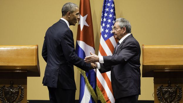 The US president, Barack Obama, and his Cuban counterpart, Raul Castro, in a joint press conference in Havana. (White House)