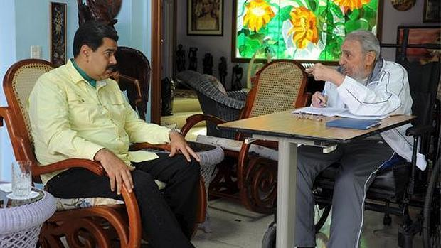 Nicolas Maduro meets with Fidel Castro on the eve of Obama's visit to Cuba. (abc.es)