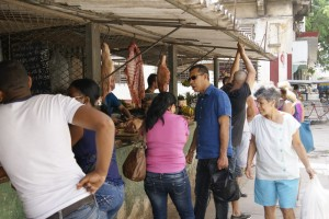 A pound of pork costs the equivalent of four days' salary of any Cuban worker. Photo/ HP