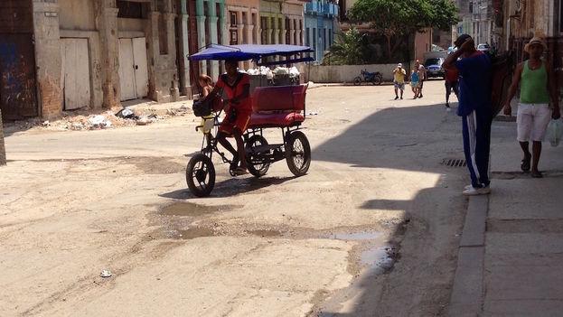 Pedicab in Havana (14ymedio)