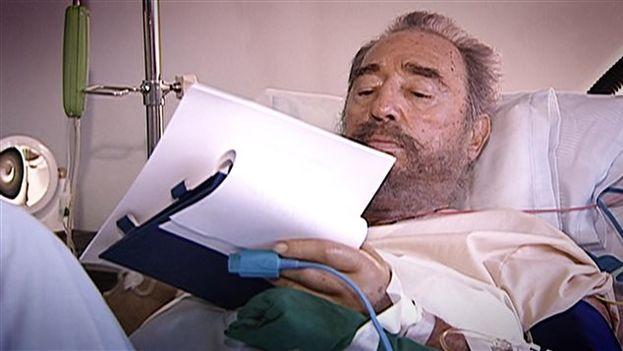 Fidel Castro signed his provisional resignation in July 2006 (Roberto Chile / Radio-Canada)