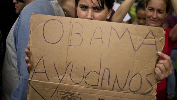 """Obama Help Us."" Cuban migrants stranded in Central America. (File sputniknews)"