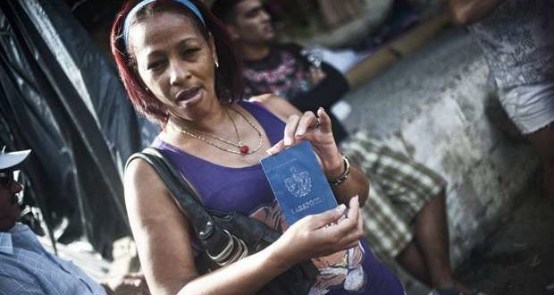 One of the 8,000 Cuban migrants who, in January 2016, were stranded in Costa Rica and eventually were airlifted to El Salvador, where they managed to travel to Mexico and from there could cross the border and reach the United States, the 'promised land'. Taken from El País.