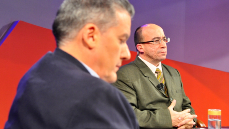 Randy Alonso (right) on the Roundtable TV show.