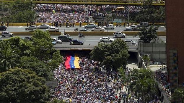 multitud-calles-Caracas-revocatorio-Redes_CYMIMA20160903_0005_16