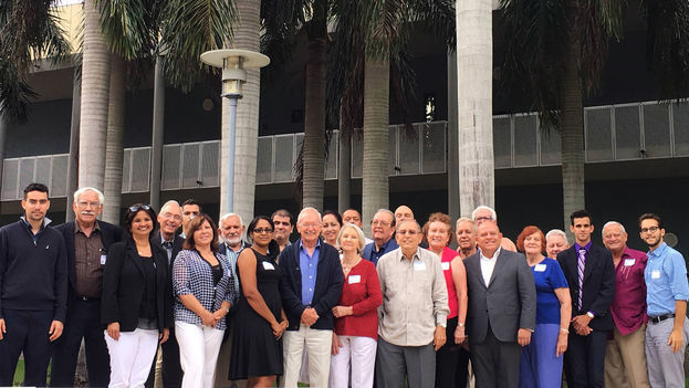 Cuban intellectuals and artists from both sides of the Florida Straits in a meeting organized by the Center for Coexistence Studies. (File 14ymedio)
