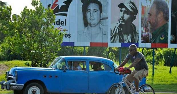 One of the many billboards that went up all over Cuba after Fidel's death. Source: Infobae
